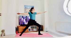 Rosanna Gordon online yoga & chair yoga teacher